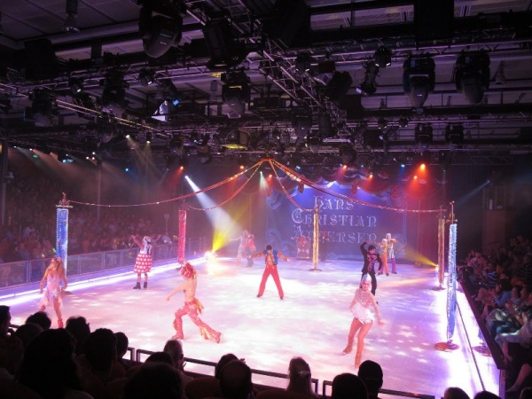 Show trượt băng (Ice skating) 'Frozen In Time' 17