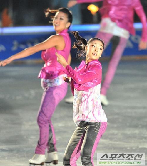 Kim Yu Na nhí nhảnh trên sân băng 3