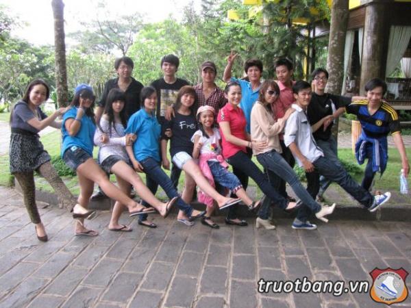 Ice skate tổ chức trại hè 2012 tại Thác Giang Điền 15
