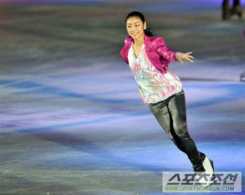 Kim Yu Na nhí nhảnh trên sân băng 2