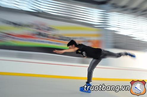 Sân trượt băng nghệ thuật tại trường ĐH FPT Hà Nội 9