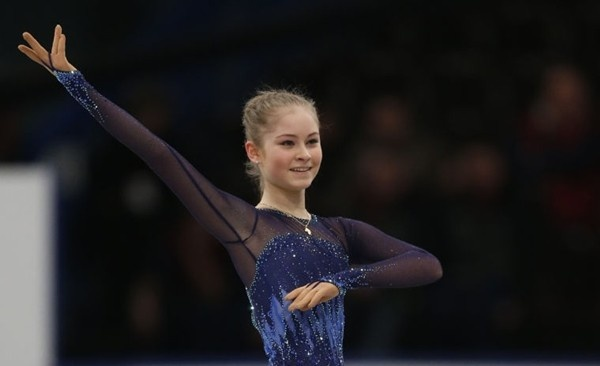 Thiếu nữ xinh đẹp 15 tuổi gây ấn tượng với tấm HCV Olympic Sochi 10