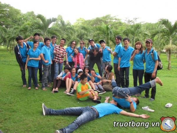 Ice skate tổ chức trại hè 2012 tại Thác Giang Điền 1