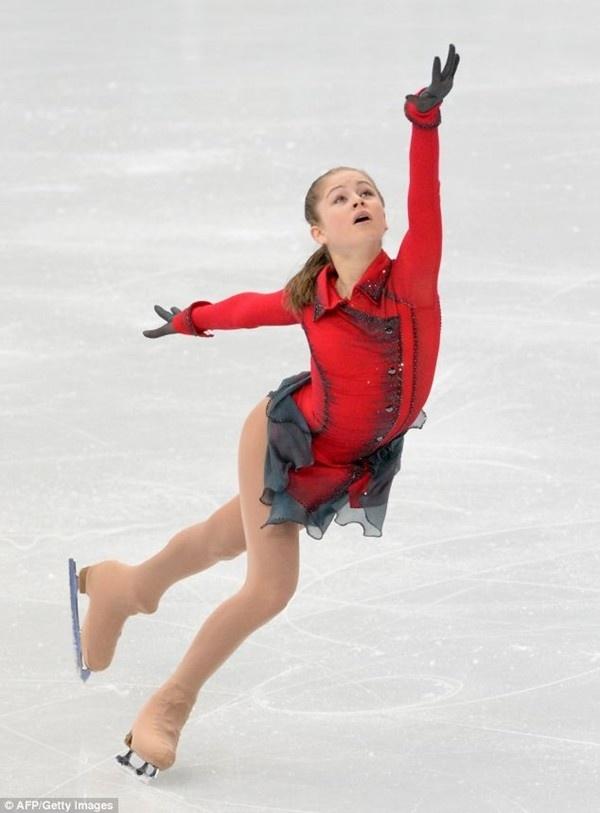Thiếu nữ xinh đẹp 15 tuổi gây ấn tượng với tấm HCV Olympic Sochi 4