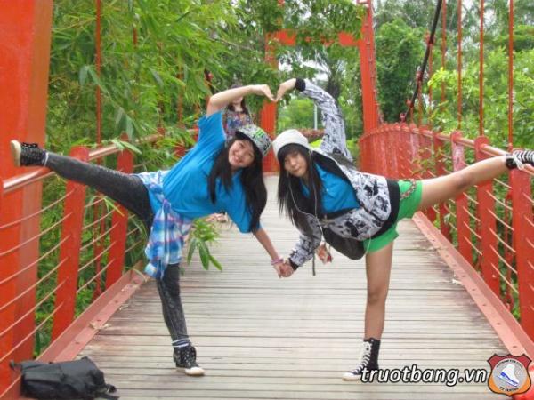 Ice skate tổ chức trại hè 2012 tại Thác Giang Điền 20