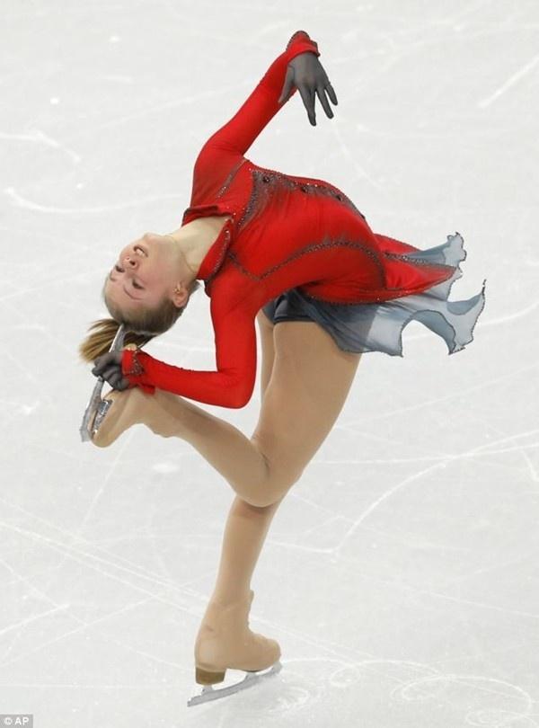 Thiếu nữ xinh đẹp 15 tuổi gây ấn tượng với tấm HCV Olympic Sochi 1