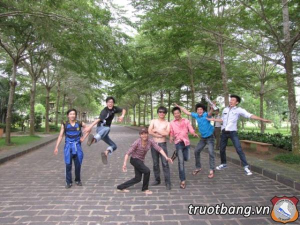 Ice skate tổ chức trại hè 2012 tại Thác Giang Điền 9