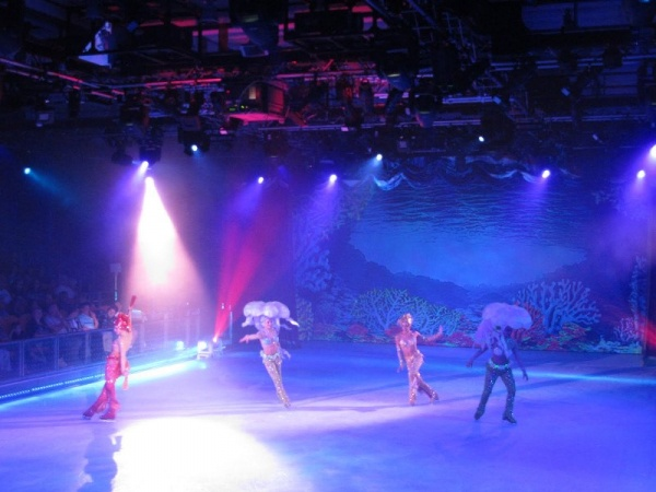 "Show trượt băng (Ice skating) ""Frozen In Time"" 8"