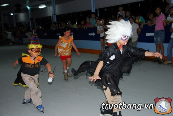HALLOWEEN 2012 - Sân trượt băng NVHTN Tp.HCM 3