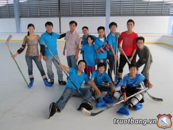 Vui chơi của các thành viên Ice skate 6