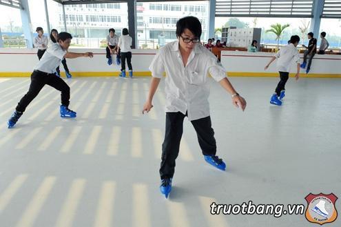 Sân trượt băng nghệ thuật tại trường ĐH FPT Hà Nội