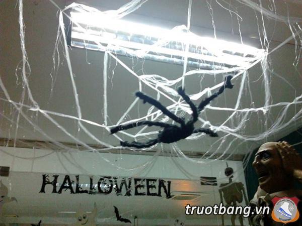 Bắt đầu cho tuần lễ Halloween tại Ice skate lầu 3 Sân Trượt Băng NVH Thanh Niên 2