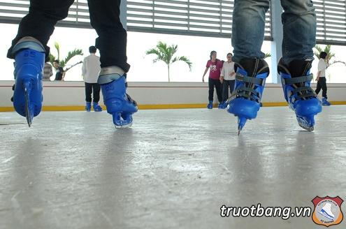 Sân trượt băng nghệ thuật tại trường ĐH FPT Hà Nội 4