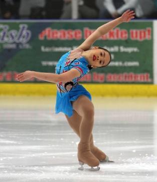 Bé gái gốc Việt Kathy Mai ấn tượng với tài năng trượt băng nghệ thuật 2