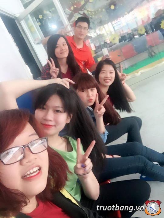 Trượt băng Nhà Văn Hoá Thanh Niên 5