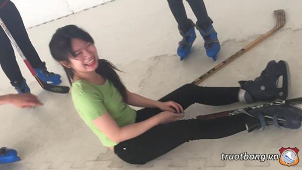 Trượt băng Nhà Văn Hoá Thanh Niên 3