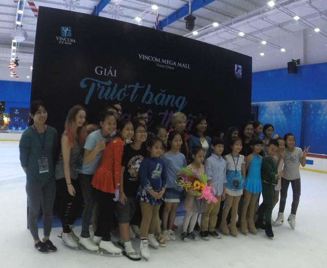 Khai mạc giải trượt băng nghệ thuật VN cup Vincom 3